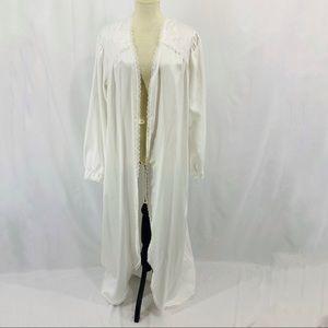 Vintage Pinehurst Lingerie White HouseCoat Robe